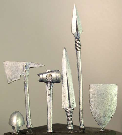 HFL011 Dwarf weapons (b)